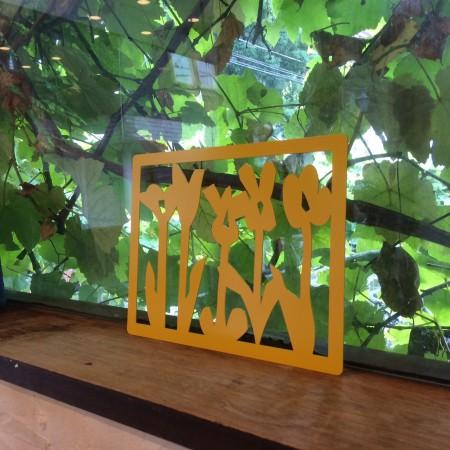『花畑  Yellow 』のある窓